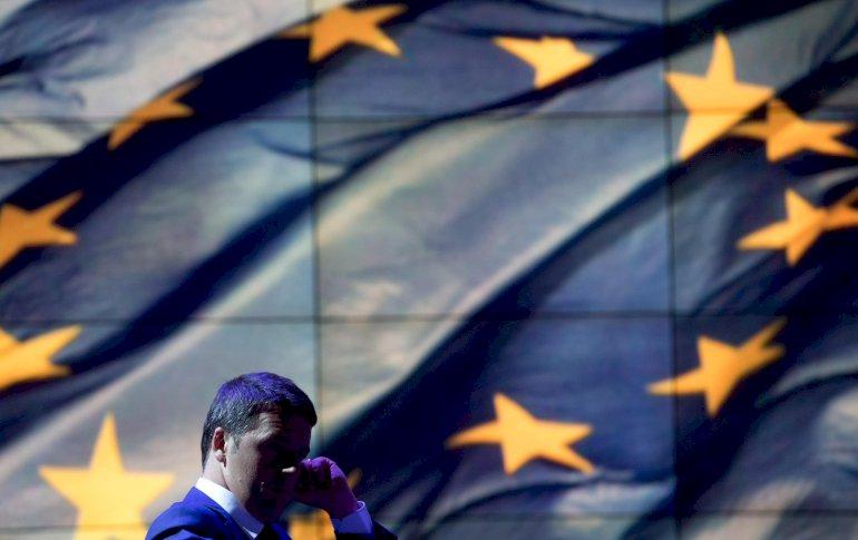 Demokratiseringen af EU er slået fejl. Flotte ord om demokrati og medbestemmelse pryder de nye EU traktater, men det er at pynte sig med lånte fjer, mener fransk ekspert.Foto: Polfoto