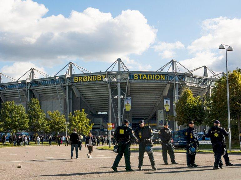 I Brøndby ville kommunen købe den del af stadion, der i dag bliver brugt til gymnasium for 18 millioner kroner – men fik nej af Statsforvaltningen. Foto: Polfoto