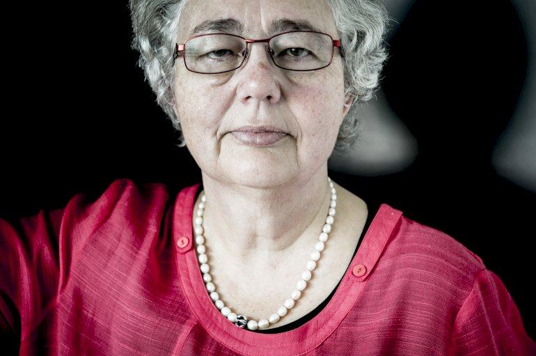 Anne-Marie Glistrup er aktuel med det andet af to bind om sin far, den fritænkende provokatør og grundlægger af Fremskridtspartiet Mogens Glistrup. Foto: Linda Johansen / Polfoto
