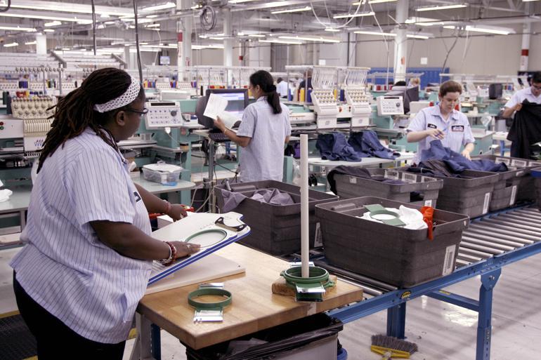 Pensionspenge investeres i fagforeningsfjendske selskaber