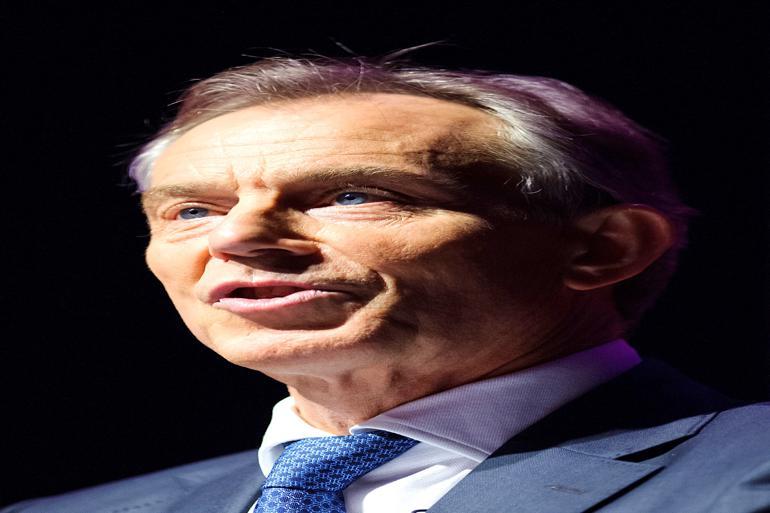 Tony Blair indså, at hans tid som regeringsleder lige så meget skulle handle om at forandre embedsværkets rolle, som det skulle handle om at forandre lovgivningen. Foto: Polfoto