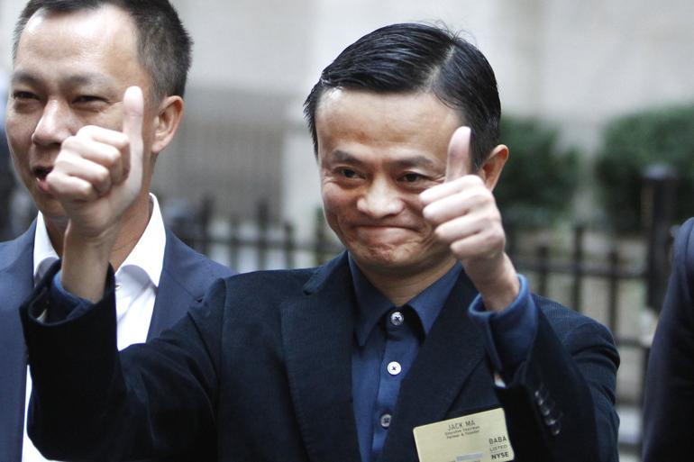 Kinas rigeste mand Jack Ma har skabt en fond, som skal arbejde for mindre forurening. Han siger selv, at han ikke ønsker at ændre på det politiske system – kun politikken – men den grænse er hårfin, vurderer Darrel West. Foto: AP/Jason DeCrow