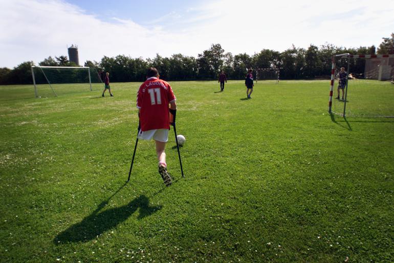 Der spilles fodbold på Onsild Idræts efterskole. Foto: Claus Bonnerup/Polfoto