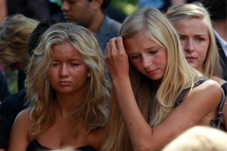 Tragedien på Utøya, der kostede 69 personer livet, har været medvirkende til at mobilisere de unge norske vælgere. Men også et stærkt foreningsliv får de unge til at stimle til valgurnerne og engagere sig i politik. Foto: Pitarakis Lefteris / Polfoto
