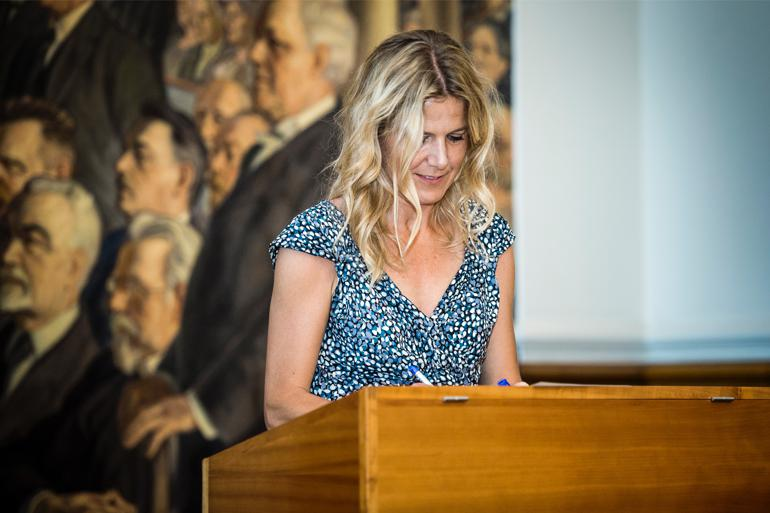 Trine Torp vil også gerne være med til at ændre debatformen på Christiansborg, så der kan blive plads til 'tvivl, nuancer og kompleksitet'. Foto:  Thomas Lekfeldt / Scanpix