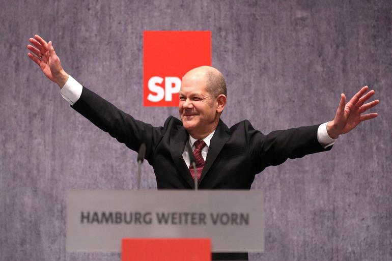 Die Zeit døbte i 2003 Olaf Scholz Scholzomaten på grund af hans tørre, funktionæragtige stil og tone. Den tidligere generalsekretær for SPD er i dag borgmester i Hamborg, som han mener har meget tilfælles med København og det øvrige Skandinavien. Foto: Polfoto/DPA