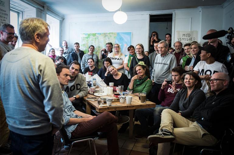 Uffe Elbæk holder morgenmøde i partiet på valgdagen 2015. Foto: Polfoto
