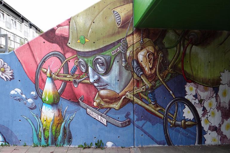 Kunsten rykker frem i det kommunale bybillede, ikke mindst i Helsingør,  der har lagt mur til dette værk. Foto: Helsingør Kommune