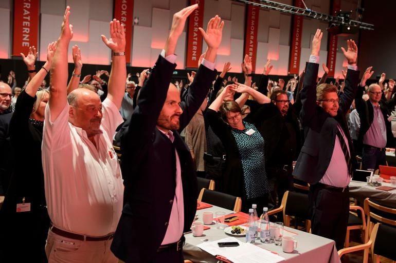 Socialdemokratiet indtager for andet år i træk førstepladsen som det mest sympatiske parti ifølge de danske vælgere, mens Venstre ligger stabilt og Dansk Folkeparti fortsat kravler opad sympati-stigen. Foto: René Schütze / Polfoto