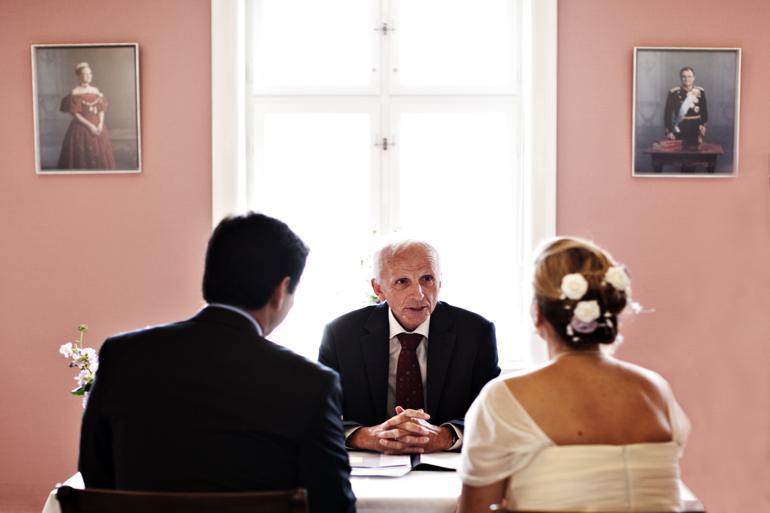 Bryllupsklokker og klingende mønt