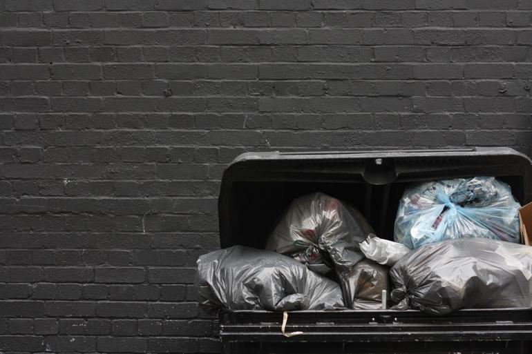 Miljøstyrelsen har siden 2014 uddelt små 50 millioner kroner til 80 kommunale affaldsprojekter. Nu smækker låget i. Foto: Lasse Kristensen / Polfoto