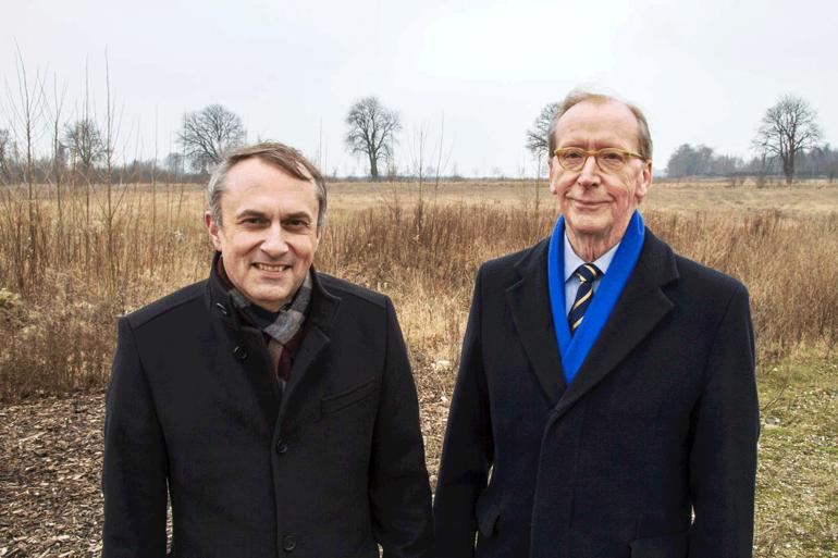 Ulf Høyen (th.) fra Nordic Corporate Finance repræsenterer de udenlandske investorer, der har investereret i Høje Taastrups nye kæmpevandland med navnet Nordic Water Universe.Foto: Høje Taastrup Kommune