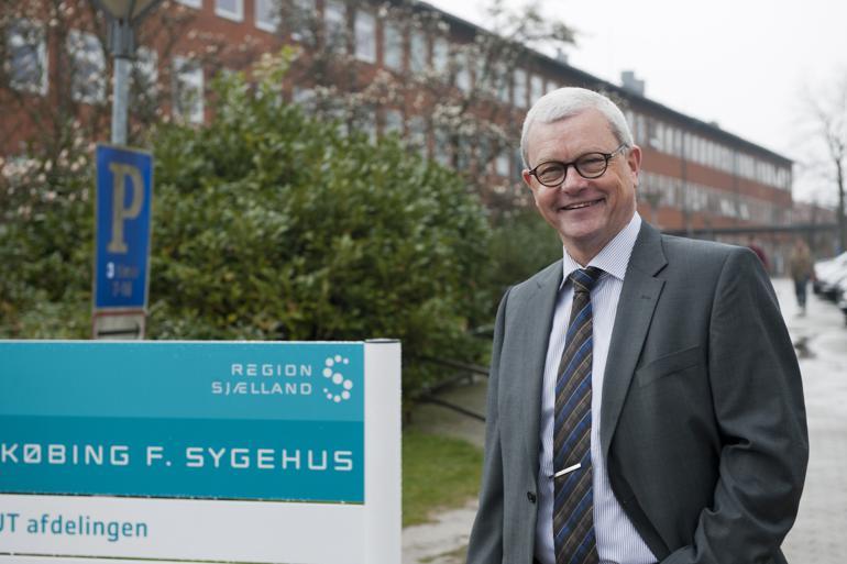 Sygehusdirektør ved Nykøbing F. Sygehus, Arne Cyron, vender den 1. september tilbage til den patientbehandling som ledende overlæge på medicinsk afdeling på Amager/Hvidovre Hospital.