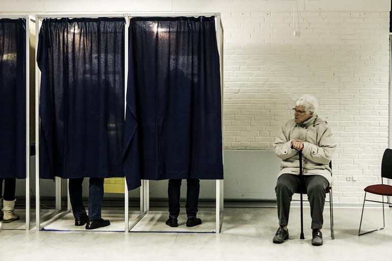 Flere praktiske ting er ændret i forhold til seneste kommunalvalg; blandt andet åbner valgstederne tidligere. Foto: Peter Klint / Ritzau Foto