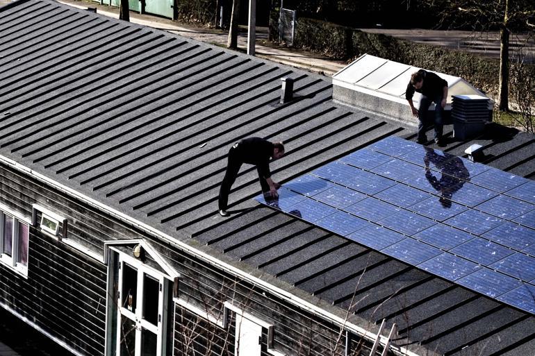 Mange kommuner vælger den grønne strøm fra på grund af administrations-bøvl og dårlige business-cases. Ifølge en opgørelse fra Energiforum Danmark fra 2016 har ni sjællandske kommuner opgivet solcelleanlæggene.