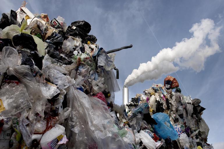 """Affaldsdirektør tav i et halvt år om lovbrud: """"Det læner sig op ad noget, man kan blive fyret for"""""""
