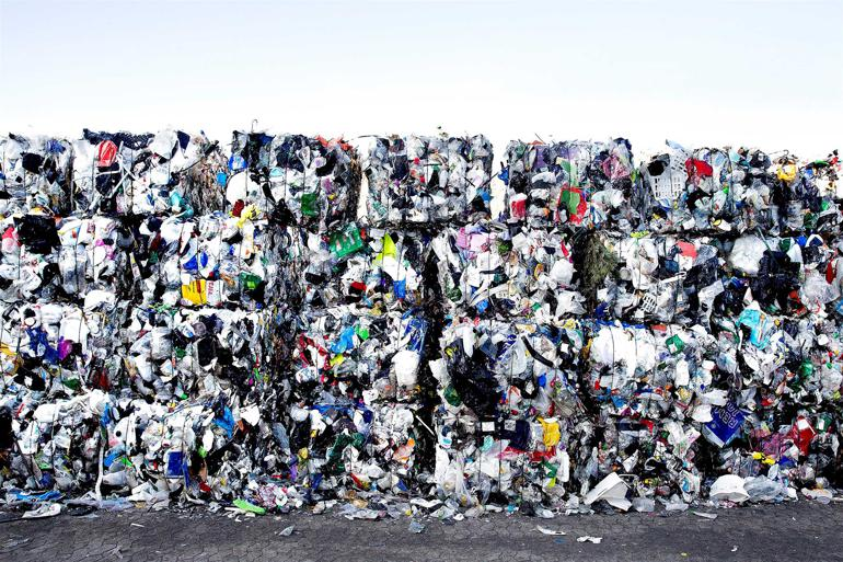 Affaldsselskab river kontrakt i stykker: Nu skal arbejdet udbydes