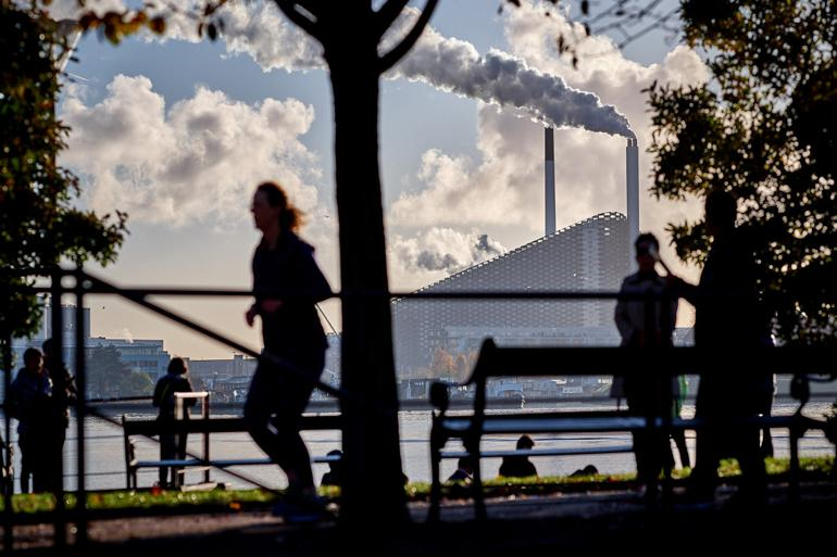 """Blev kaldt """"state of the art"""": Designfejl lukker Danmarks dyreste forbrændingsanlæg"""