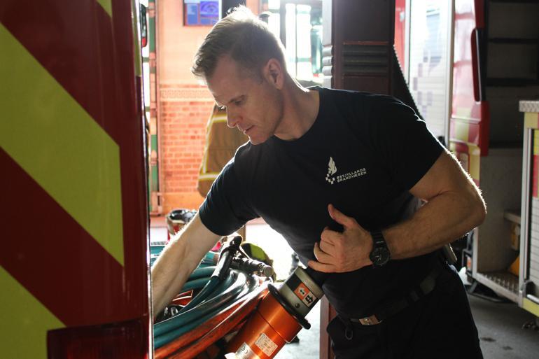Faren er, at vi bliver mere altmuligmænd end brandmænd