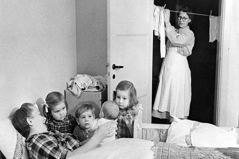 Fra arkivet: Giv husmoderafløserne rigtige job