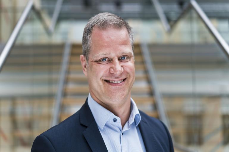 Eik Møller er aktiv på Twitter for egen regning og risiko. Han er der ikke som talsperson for Ballerup Kommune, men ser det som offentlig leder som sin pligt at bidrage til samfundsdebatten.