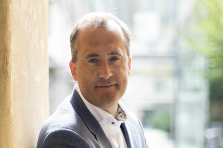 Peter Frost har været kommunaldirektør i Køge i snart 12 år. Han går ind for, at gøre det offentliges konsulent-forbrug så overskueligt som muligt for politikerne.