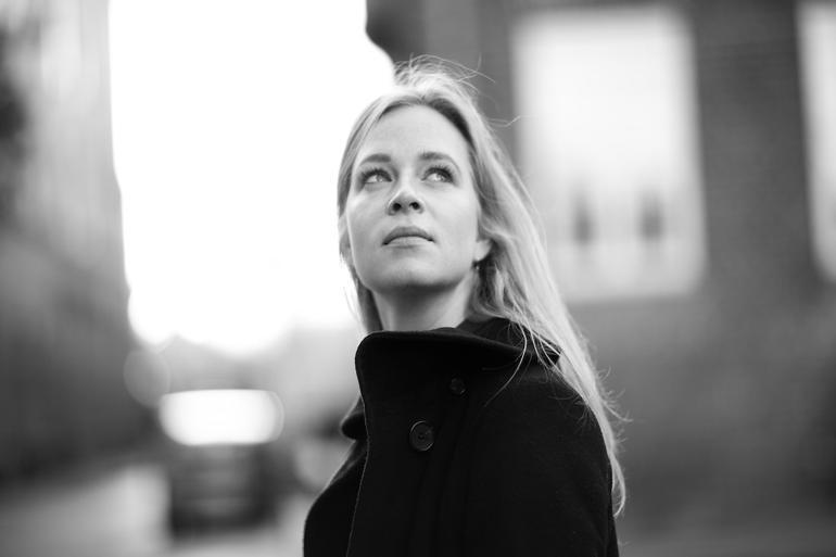 Anna Lykke Lundholm-Andersen opfordrer til, at kommunerne får styr på datasikkerheden ved at uddanne personalet, udnytte teknologien og opdatere sine databehandleraftaler jævnligt.