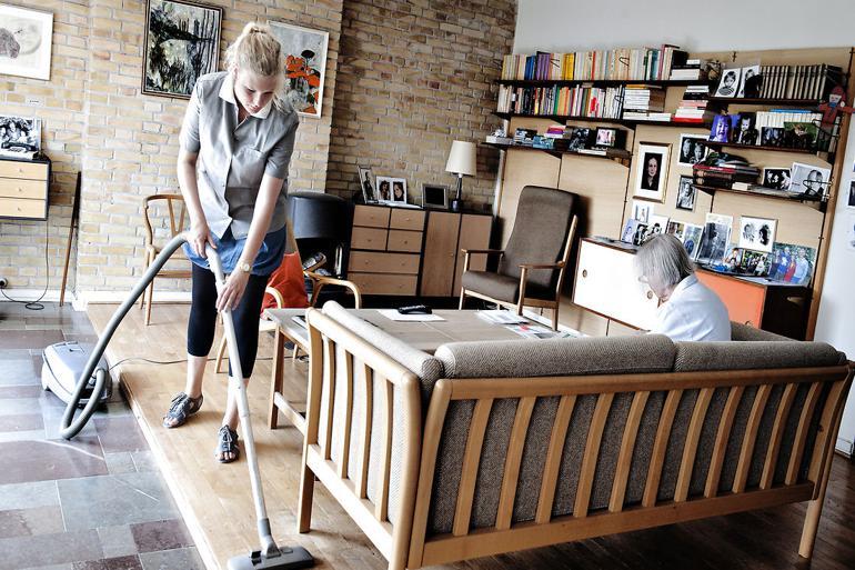 Der skrues både op og ned for rengøring hos de ældre
