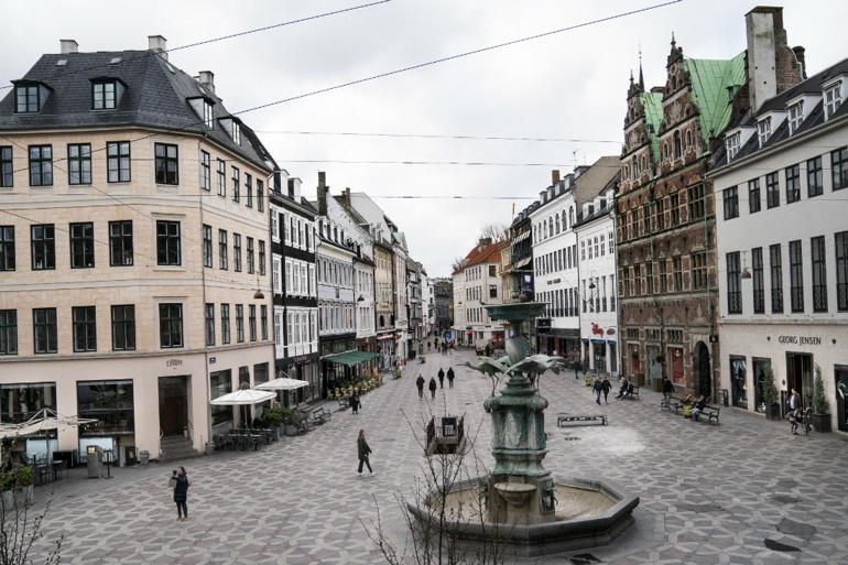 Efter tre ugers restriktioner: Danmark har det bedre end ventet
