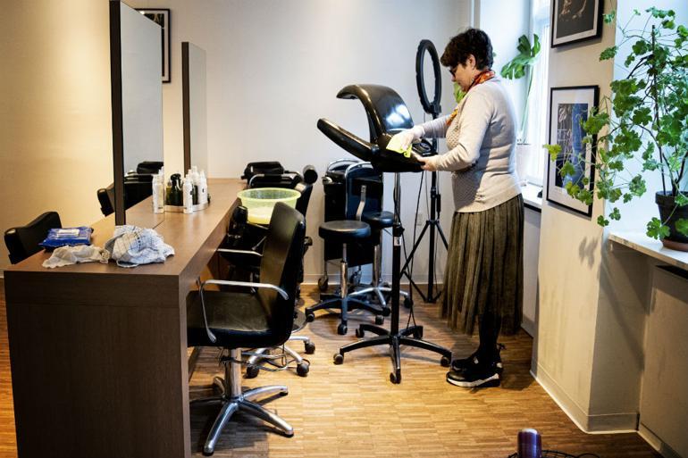 Grønt lys til at genåbne frisører og domstole