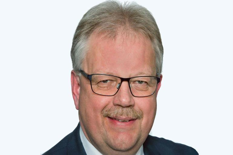 Mogens Gade (V) er bekymret over indtrykket af, at der bruges unødvendige penge på konsulenter.