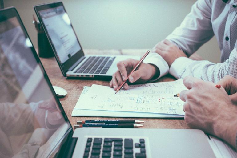 Kommuner, regioner og stat opgør brug af konsulenter forskelligt, og især på it-området er det svært at skelne, hvad der er konsulent, og hvad der er fx licenser og hosting.
