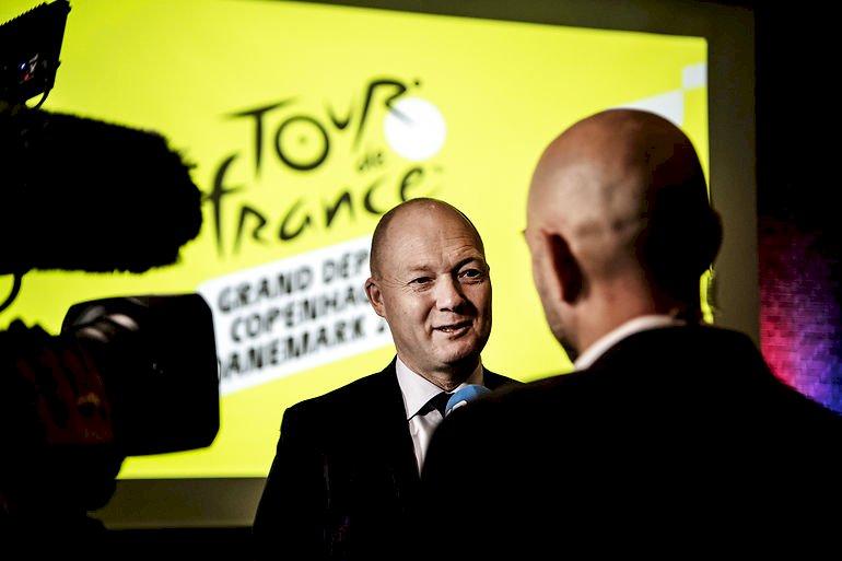 Vejle-borgmester Jens Ejner Christensen (V) ser med sindsro på muligheden for, at den danske Tour de France start bliver skudt et år til 2022 og dermed kan påføre værtskommunerne ekstraudgifter. Corona har budt på større udfordringer de seneste måneder, siger han.