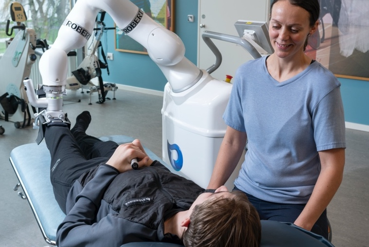 Robotter giver flere ressourcer til genoptræning