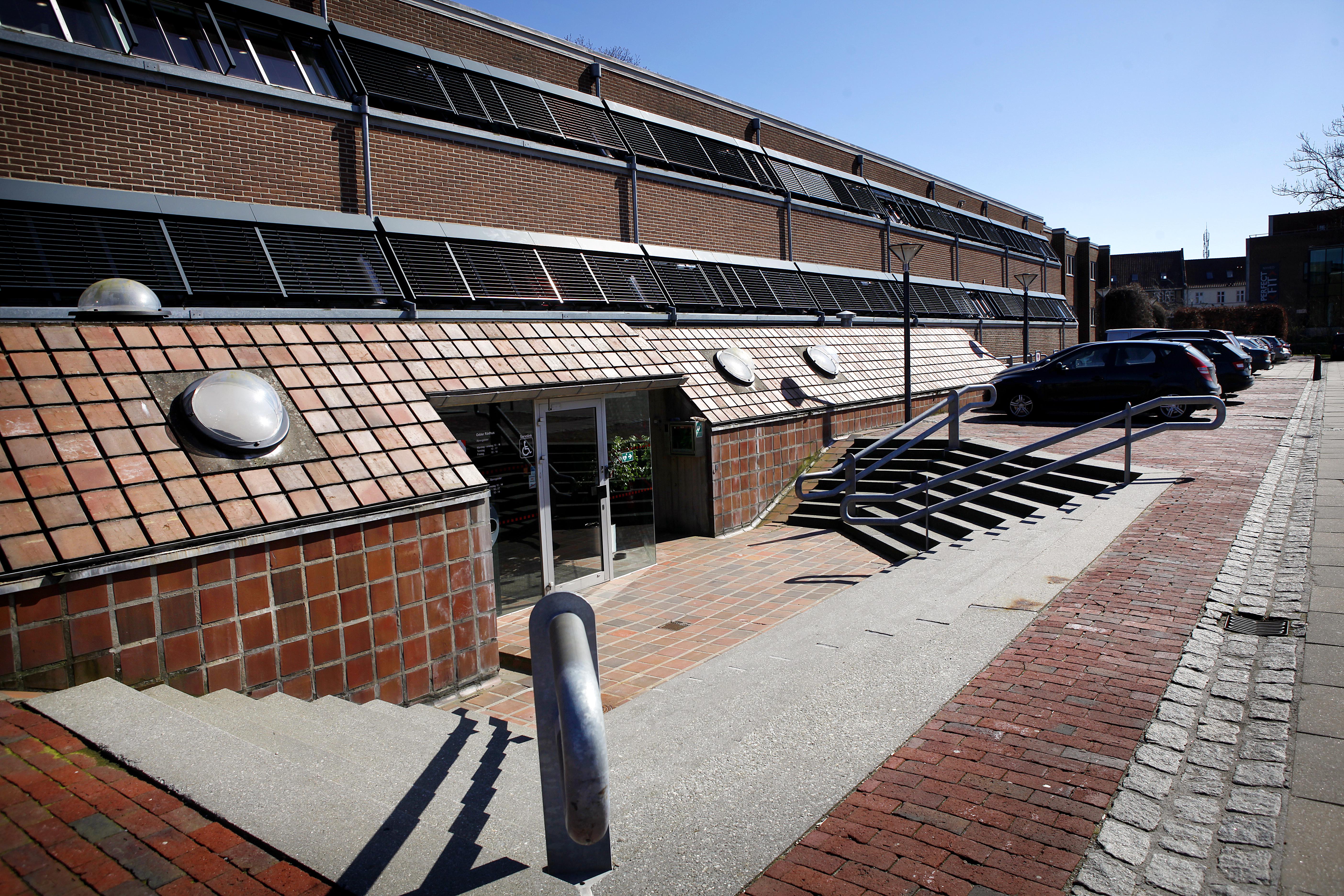 Odder har et af Danmarks mærkeligste rådhuse