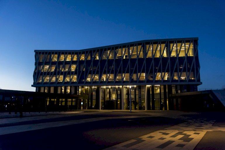 Viborg Kommune har en central økonomifunktion, og økonomidirektøren er medlem af direktionen. Måske er det også fremtiden i andre kommuner, der vil sætte fokus på tværgående ledelse og styring gennem bedre data og øget digitalisering.
