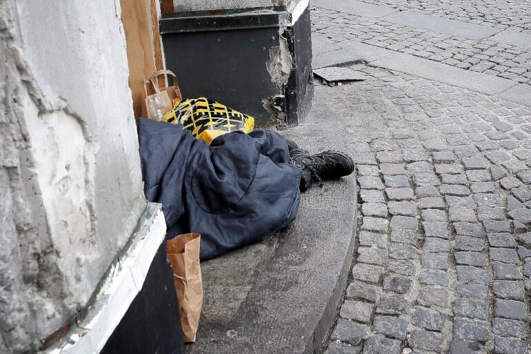 Odense har med succes gjort en særlig indsats for at hjælpe hjemløse til en bolig, og nu peger forskere fra VIVE på, at andre kommuner bør kopiere Odense.
