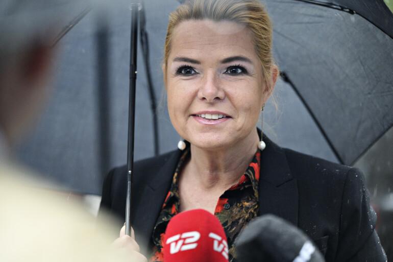 Tidligere udlændinge- og integrationsminister Inger Støjberg (V) er omdrejningspunktet i sagen om adskilte asylpar. 42 personer er fra maj til september i år blevet afhørt i Instrukskommissionen. Her ses Støjberg i september, da hun for tredje gang blev afhørt i kommissionen på Frederiksberg.
