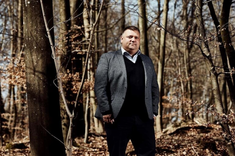Anders Gerner Frost sidder sammen med sit parti nytgribskov på borgmesterposten i Gribskov. Kun tre steder i landet er en politiker fra en lokalliste borgmester. Anders Gerner Frost mener, det er en fordel for samarbejdet, at der ikke er en tydelig blok efter et valg.