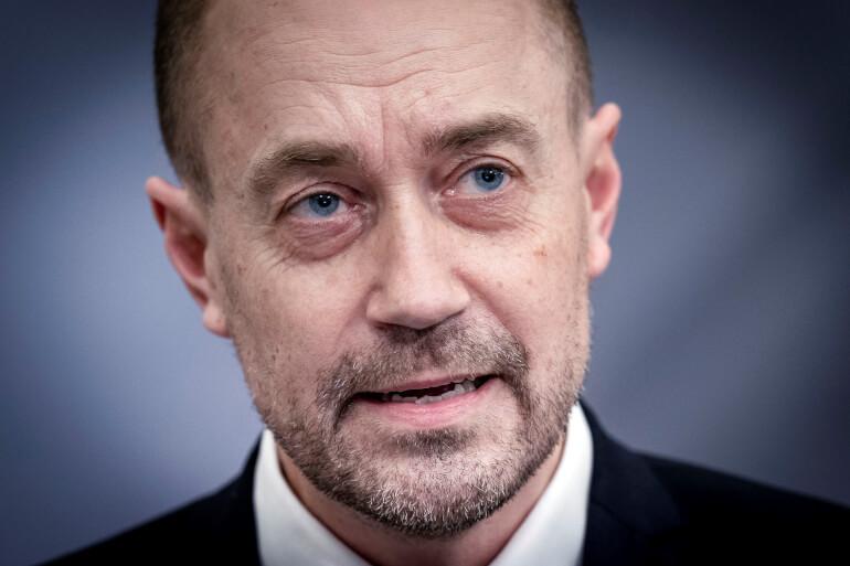 Sundheds- og ældreminister Magnus Heunicke (S) skal nu i et samråd svare på kritik for at have aflyst tilsyn med landets plejehjem.