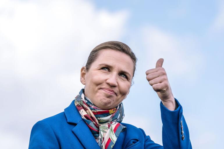 Der spekuleres i medierne i, at Mette Frederiksen (S) vil udskrive folketingsvalg sammen med kommunalvalget. Gør hun det, så er der gratis øl til 120 studerende.